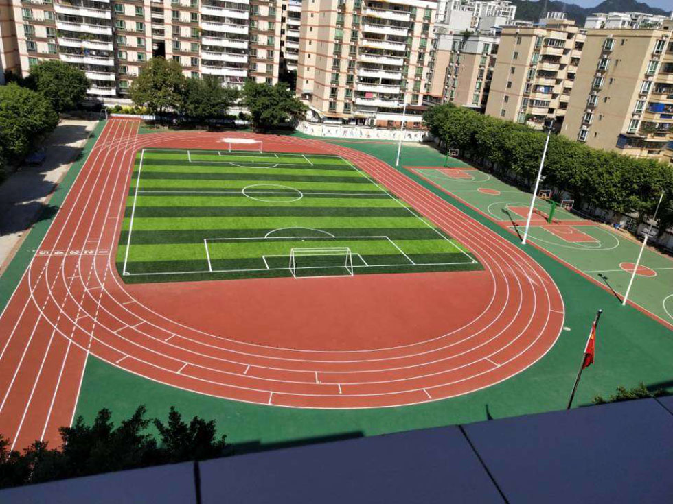 东莞篮球场告诉你   夏季室外健身应该注意哪些问题