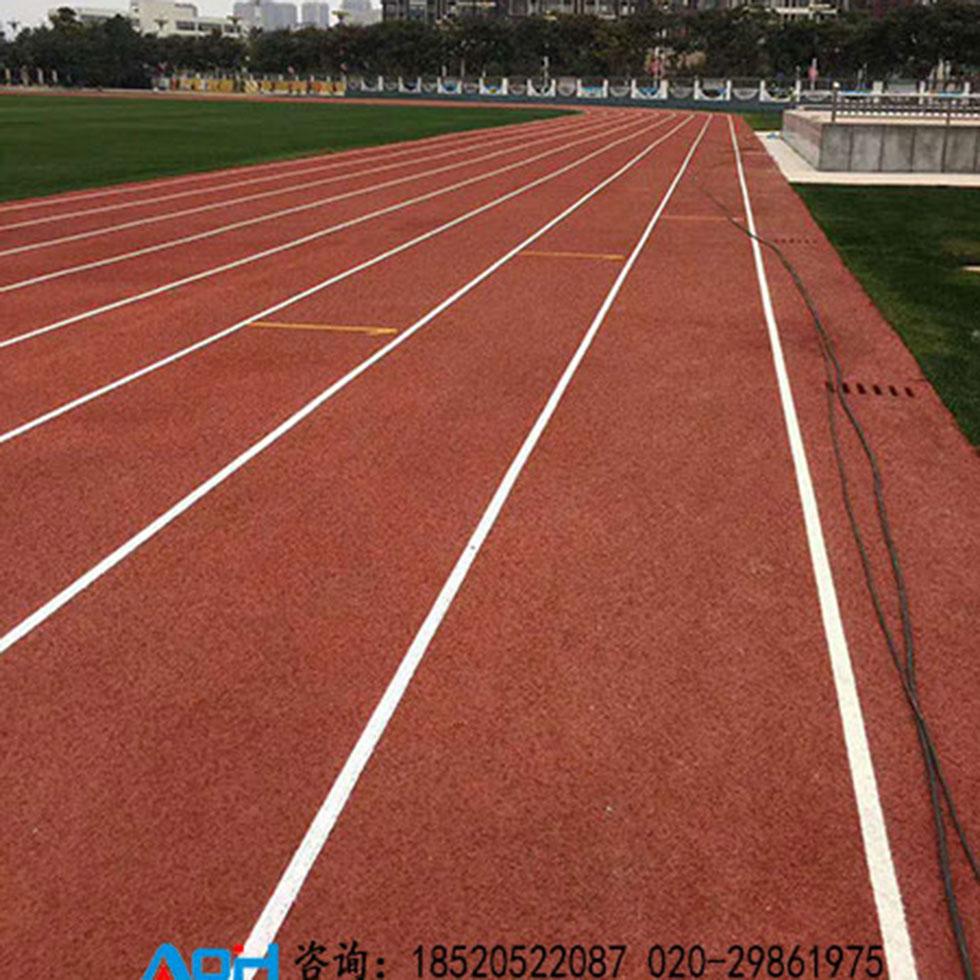 学校塑胶跑道材料 学校塑胶跑道的特种型橡胶性能介绍