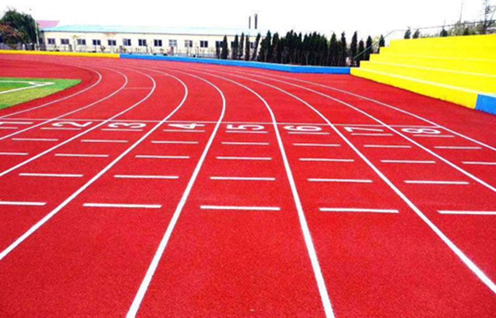 深圳宝安区石岩体育运动场学校塑胶跑道7000方翻新工程进行中