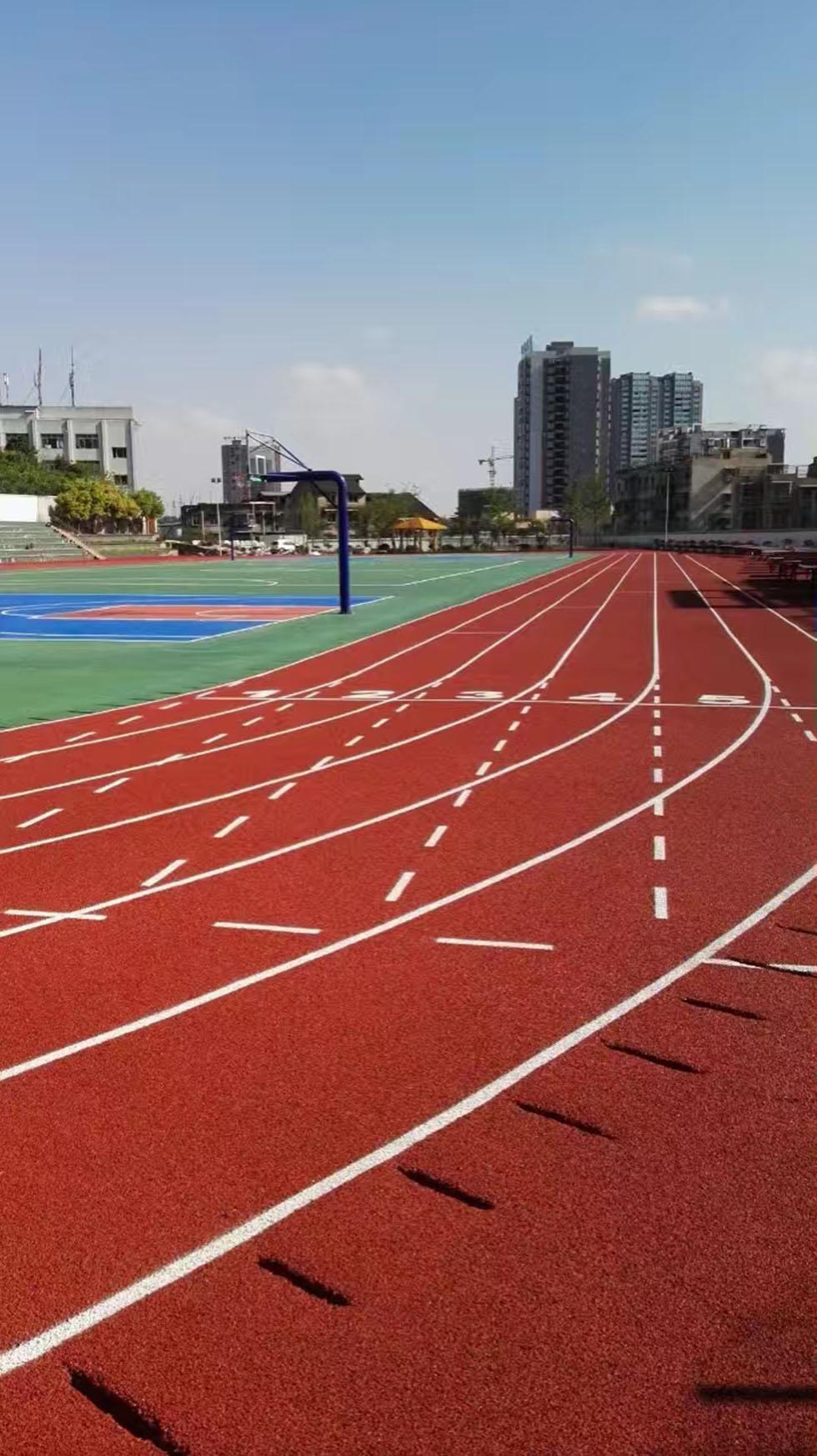 冬季在广州新国标硅PU球场施工应该注意些什么 奥宏体育