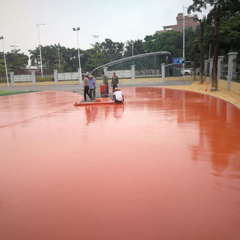 东莞长安硅PU球场材料进场施工