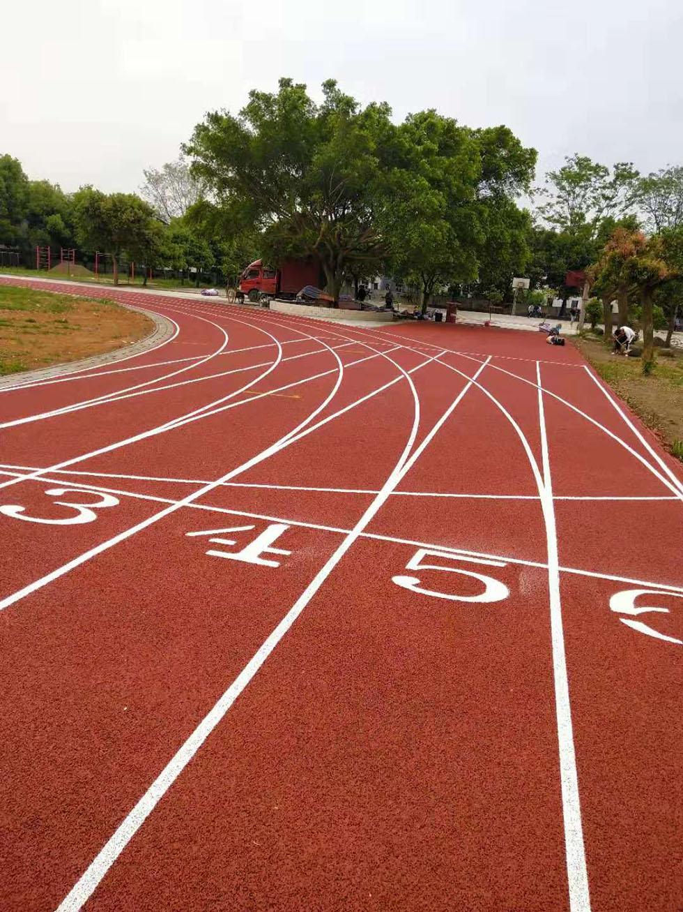 奥宏提供混合型学校塑胶跑道材料 透气型跑道材料 复合型跑道材料