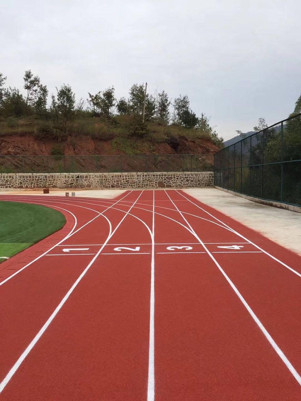 人造草足球场厂家 塑胶足球场地规格