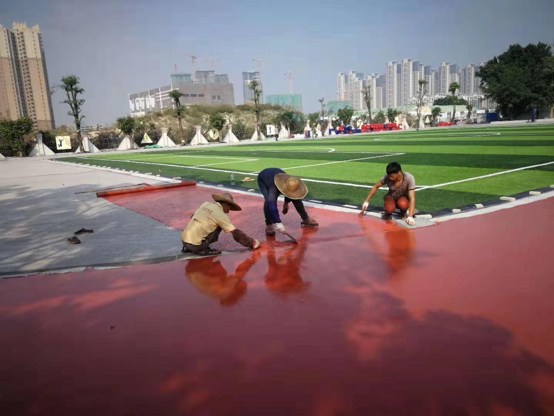 大型儿童游乐设施常用材料特点的介绍